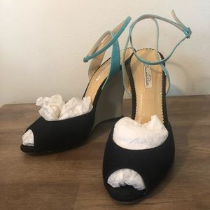 Suede and Patent Leather Oscar de la Renta Wedges